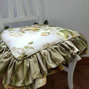 Cuscino con doppia balza
